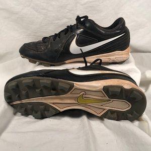 Nike softball cleats size 7.5
